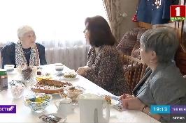 Наталья Кочанова поздравила с 8 Марта ветерана Великой Отечественной войны Валентину Чудаеву